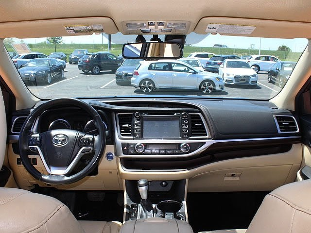 Pre-Owned 2014 Toyota Highlander Hybrid Limited