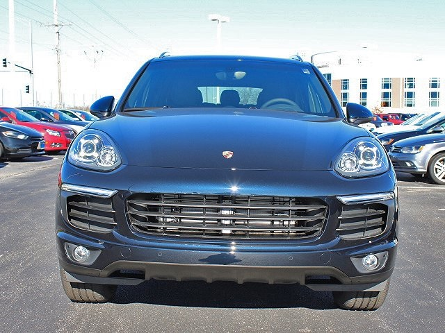 Pre-Owned 2018 Porsche Cayenne Base